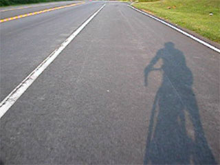 <a href=video/050704_061102.mov>Bike-Cam video 2</a>